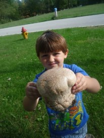 Mushroom looks like an alien head! (2009)
