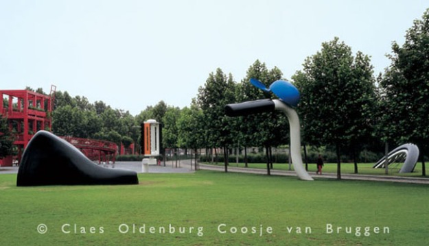 Photo credit: http://oldenburgvanbruggen.com/largescaleprojects/shuttlecocks-01.htm