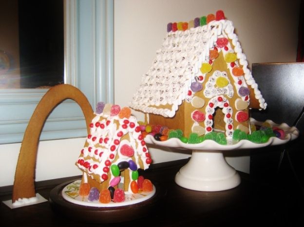 2010 St. Louis gingerbread (see the Arch?!)