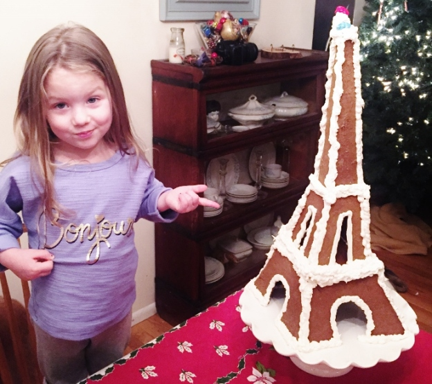 Baby and la Gingerbread Tour Eiffel!