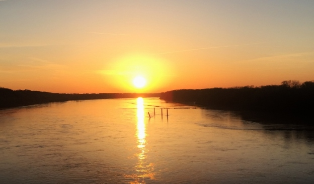 Missouri River sunrise