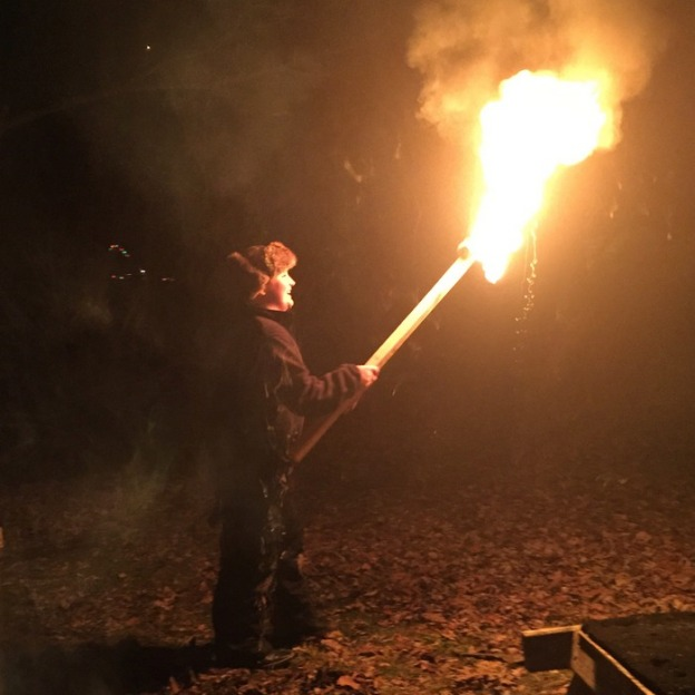 Making a torch seems like a good new year's tradition, doesn't it?!