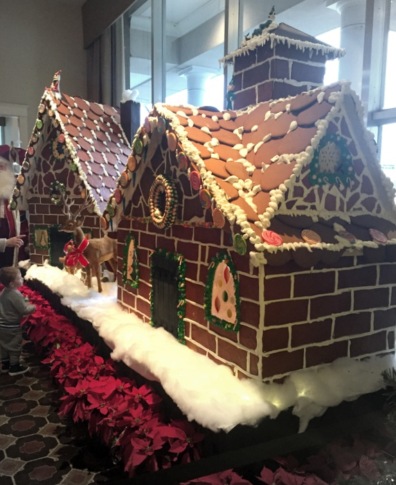 A REAL gingerbread house (rivaling my Empire State Building from last year! Or my Eiffel Tower!)